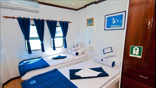 Archipel I catamaran first class, Galapagos