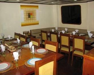 Journey I catamaran yatch deluxe class, Galapagos