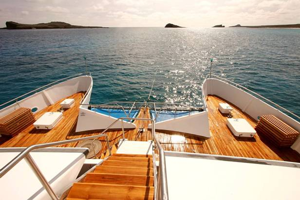 Queen Batriz Catamaran yatch luxury class, Galapagos