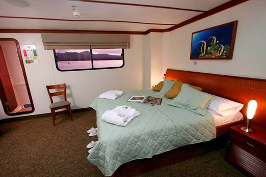 Queen Beatriz Catamaran Yatch Luxury class, Galapagos