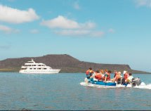 Queen Betriz Catamaran Yatch Luxury class, Galapagos